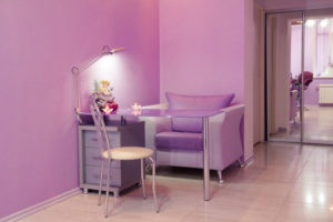 manicure_pedicure_station
